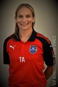 Dr. Nadine Scheipner (Team-Ärztin)